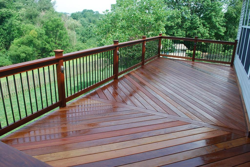 Deck Aluminum Balusters And Lighting