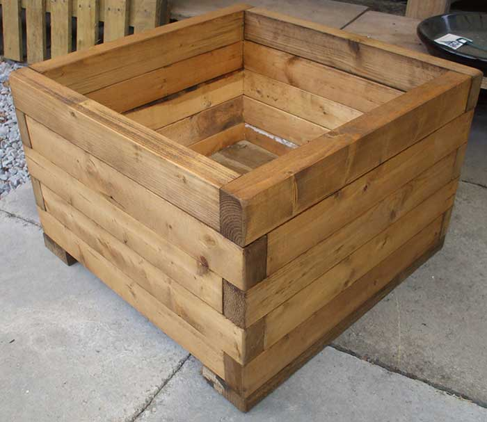 Build Wooden Planter Boxes