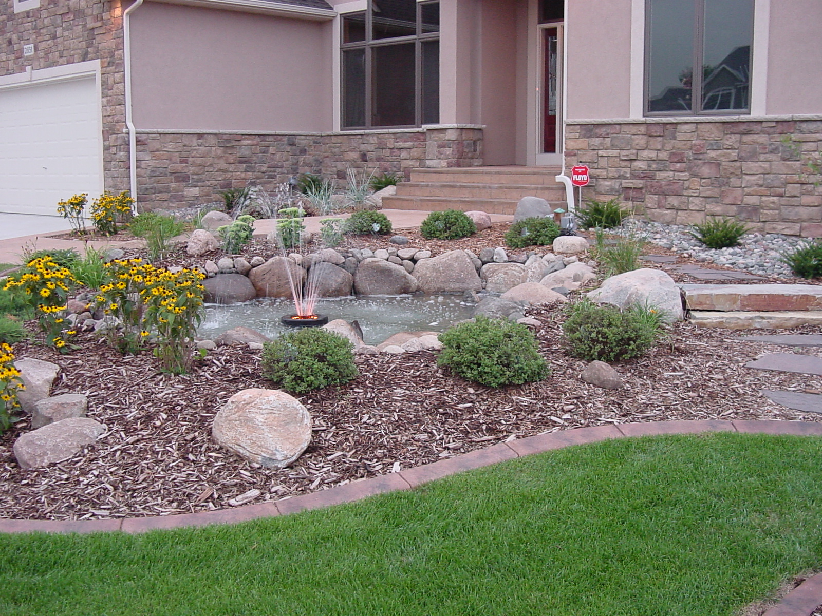 Front Yard Ideas With Fountain
