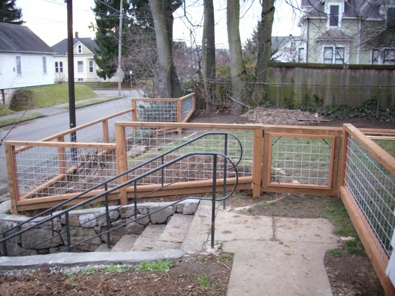 Simple Wire Fence Panels