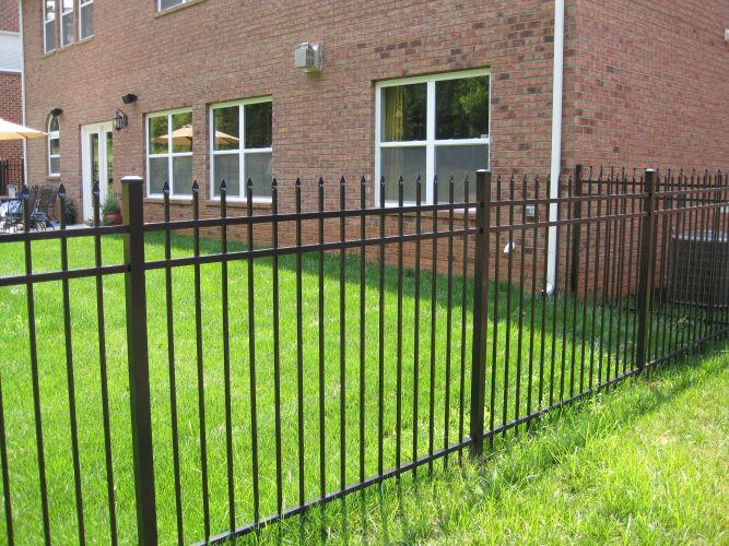 Aluminum Fencing Image