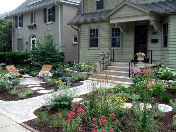 Cottage Front Yard Curb Appeal