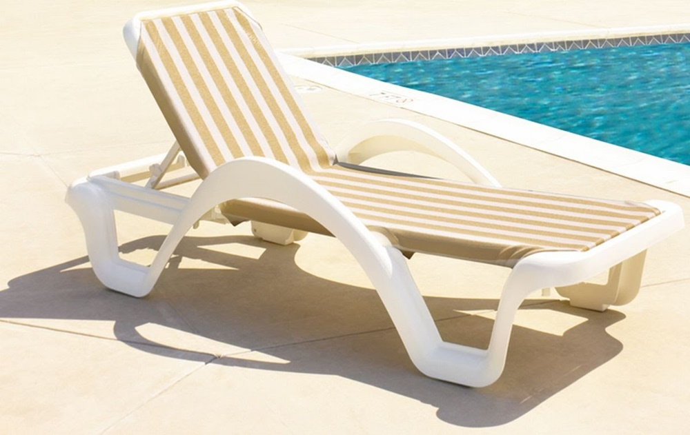 Pool Chaise Lounge Designs