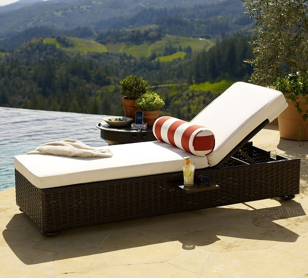 Rattan Pool Chaise Lounge