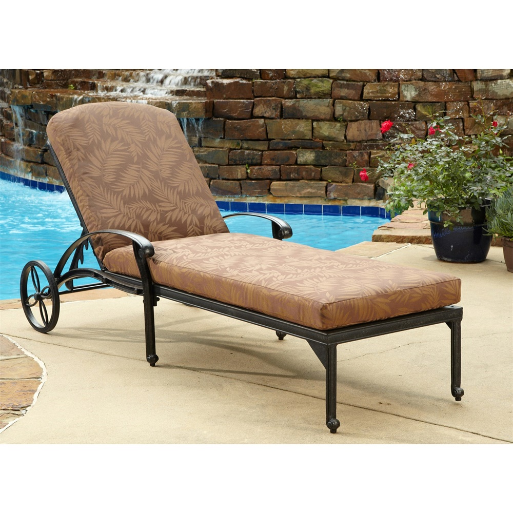 Style Pool Chaise Lounge