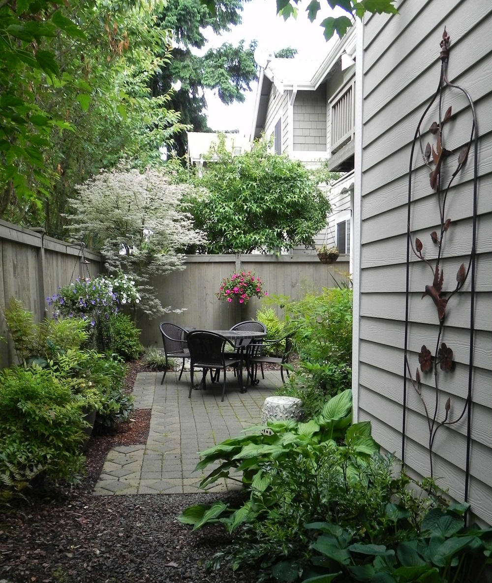 Minimalist Landscaping Ideas For Small Backyards Rickyhil