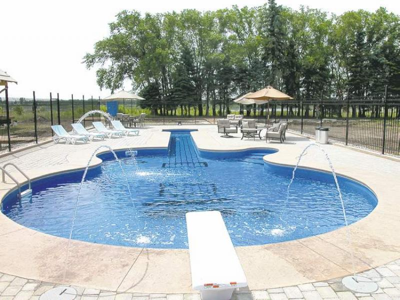 Modern Hot Tub Pool Combo : Rickyhil Outdoor Ideas - How To A Hot ...
