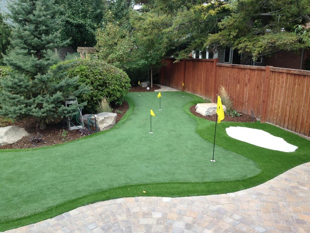 DIY Backyard Putting Greens — Rickyhil Outdoor Ideas