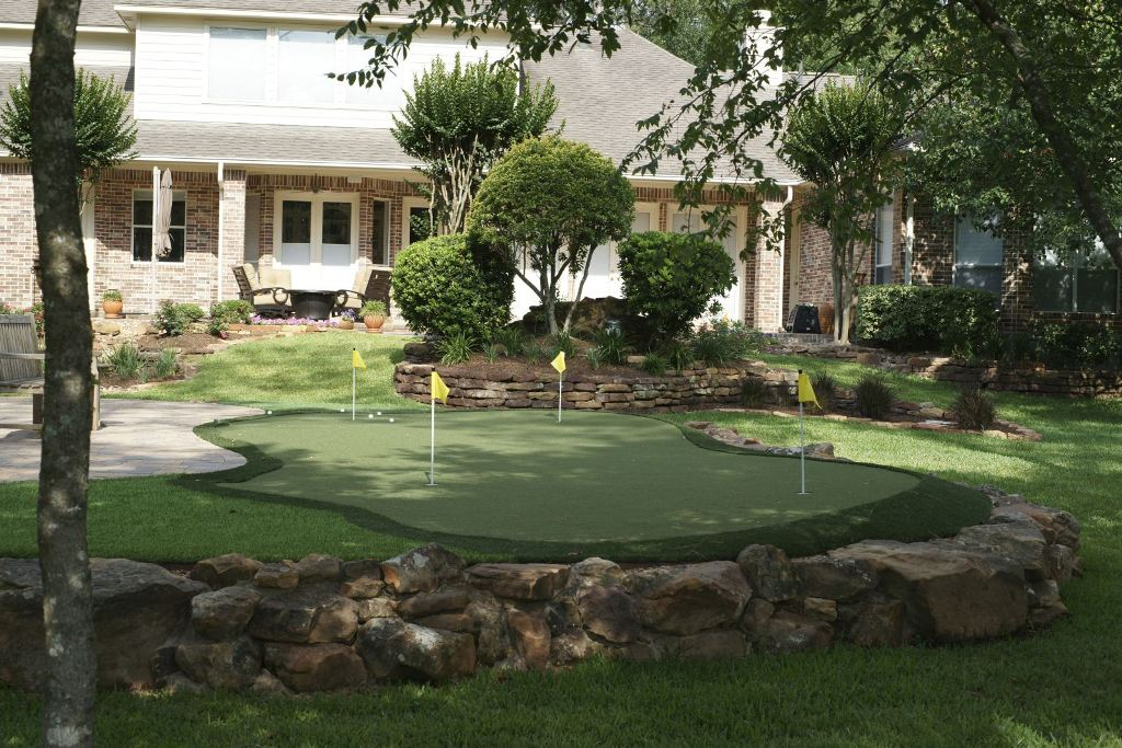 Backyard Putting Greens Kits : Rickyhil Outdoor Ideas ...