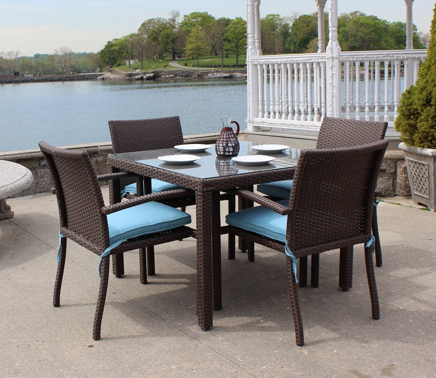 Brown Wicker Outdoor Dining Sets