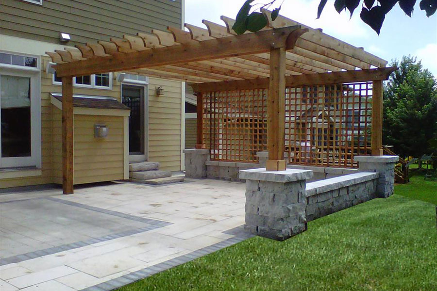 Build Backyard Pergola