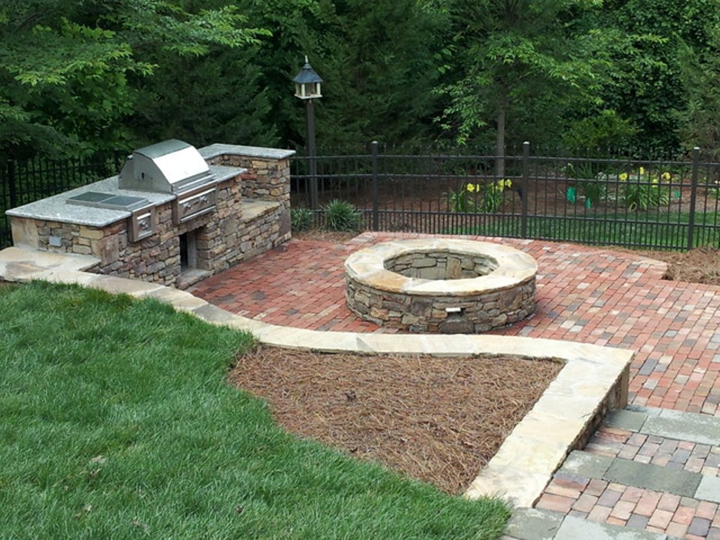 Outdoor Fireplace Kits Lowes Plans : Rickyhil Outdoor ...
