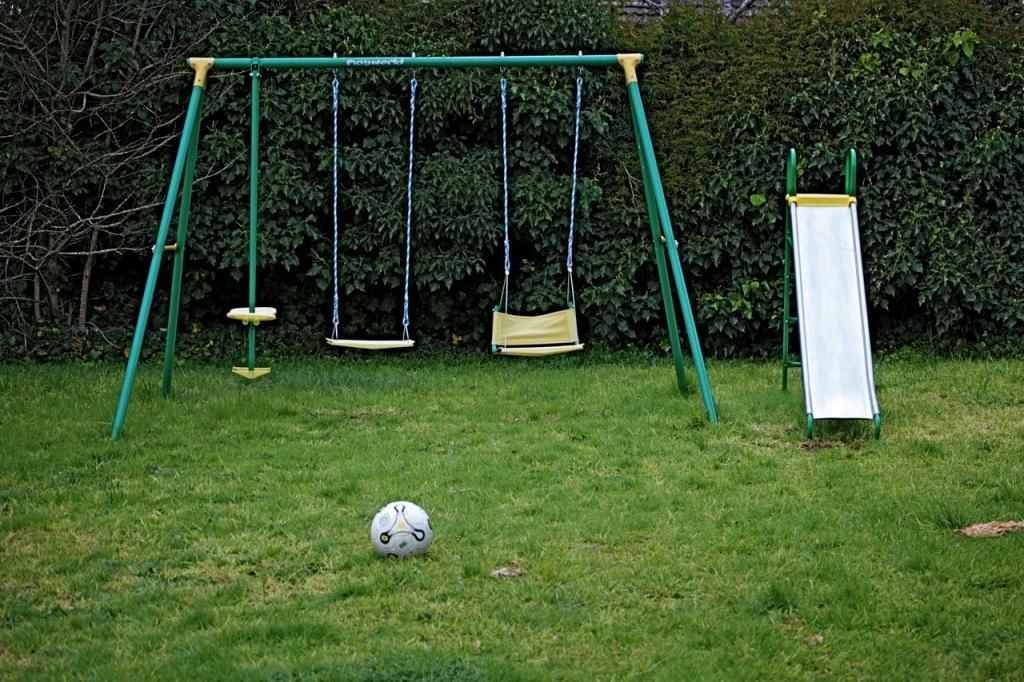 Simple Backyard Swings