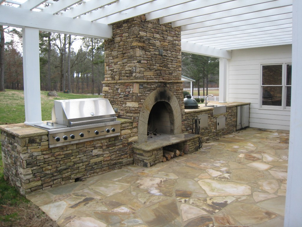 Wood Burning Outdoor Fireplace Kitchen