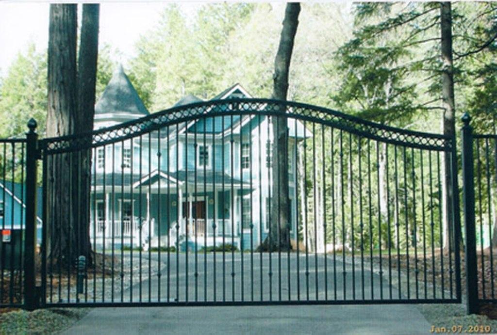 Iron And Wrought Iron Driveway Gates