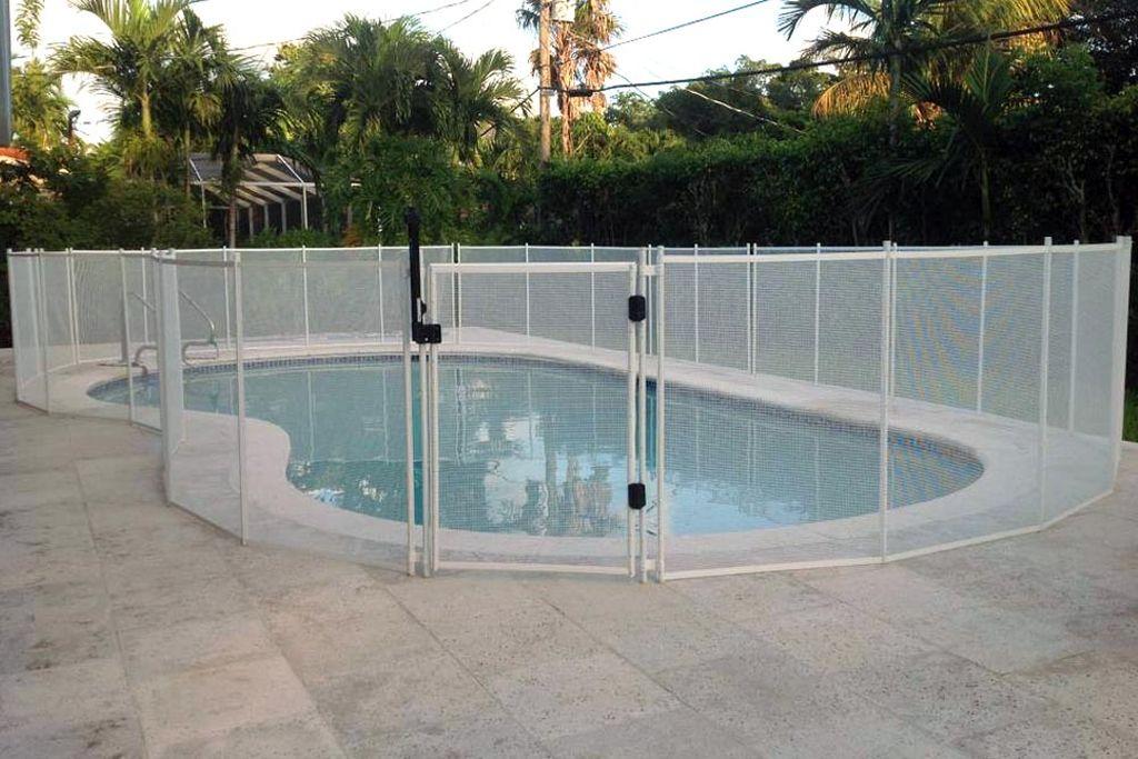 Mesh Pool Fence White