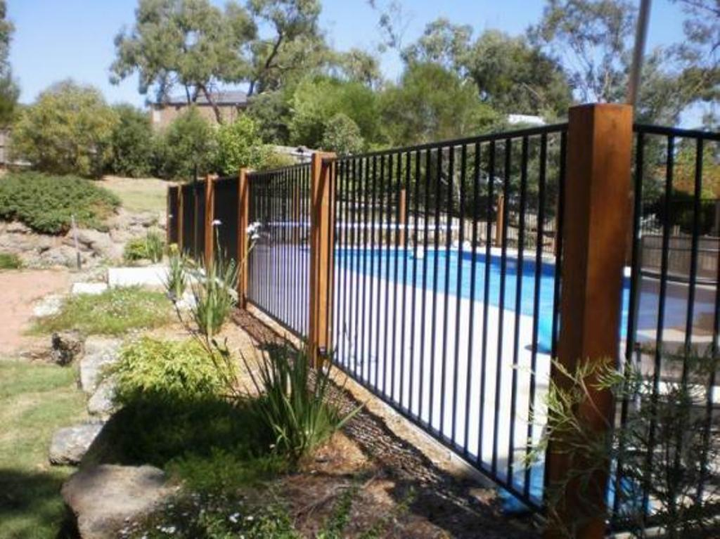 Pool Fence Ideas For Above Ground