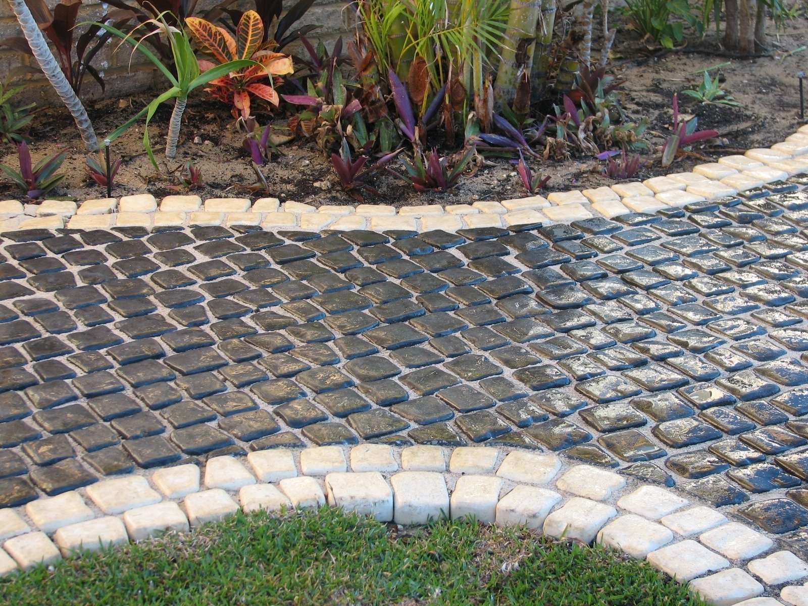 Appealing Cobblestone Pavers