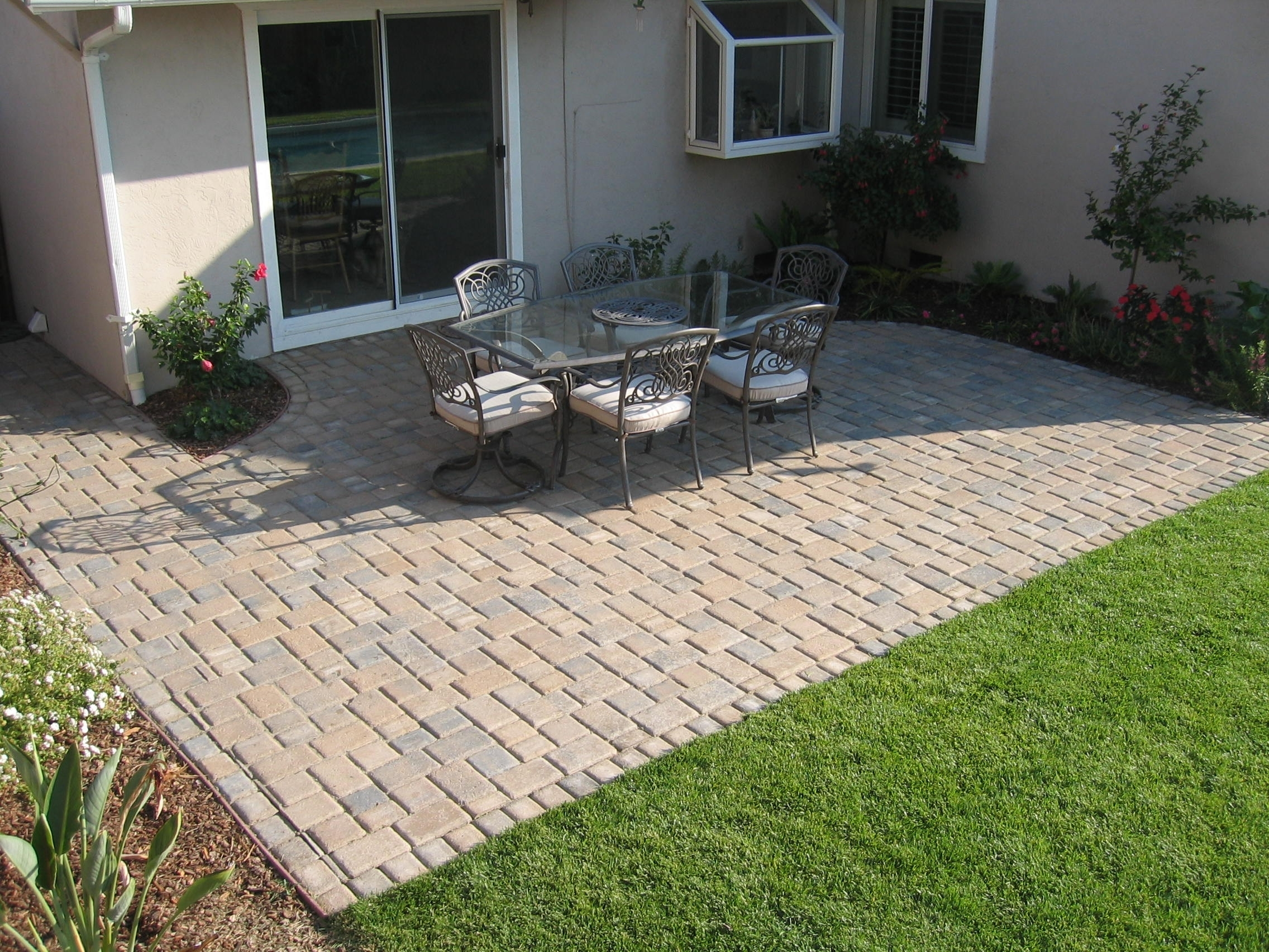 Traditional Cobblestone Pavers
