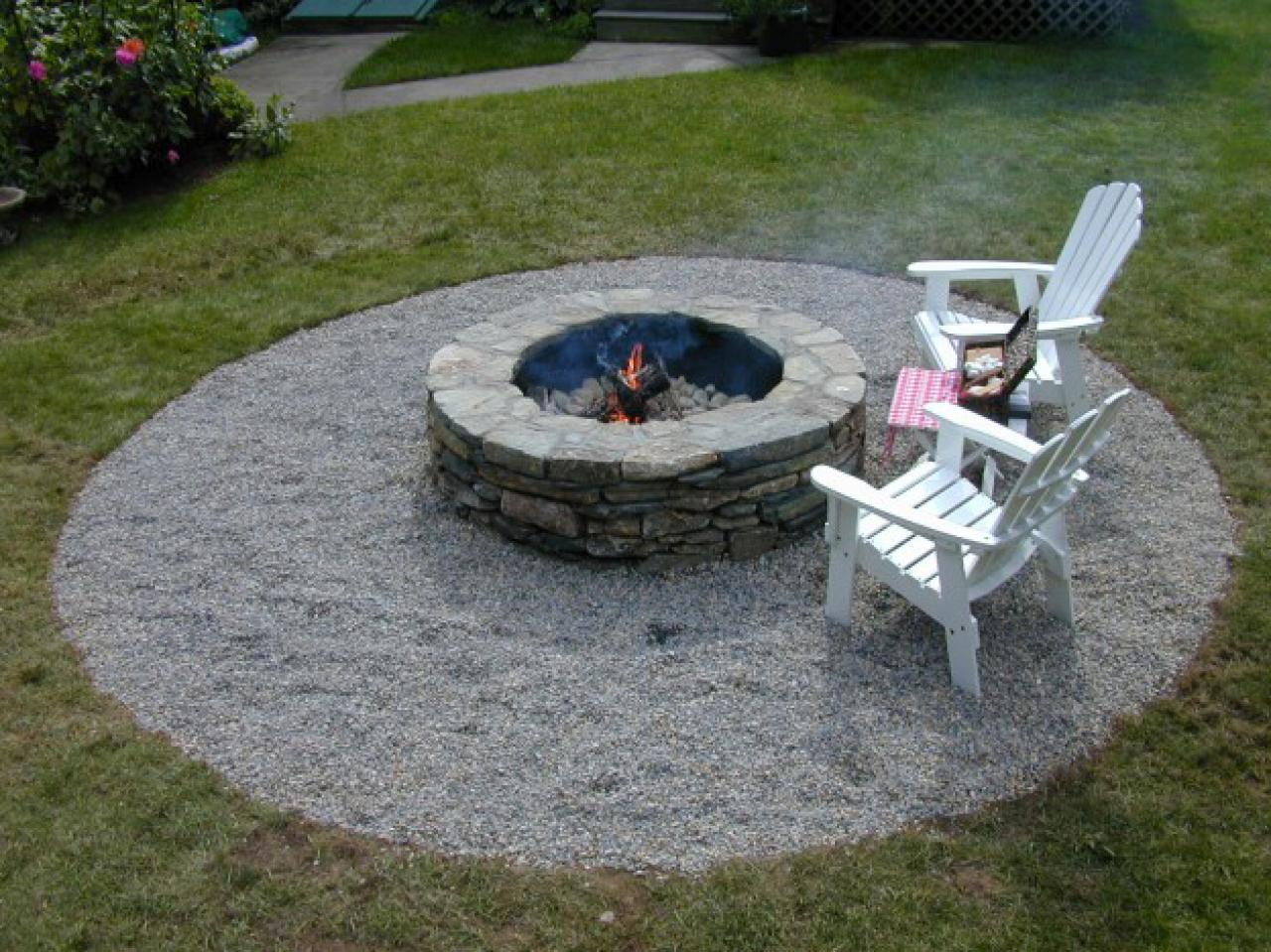 DIY Outdoor Stone Fire Pit