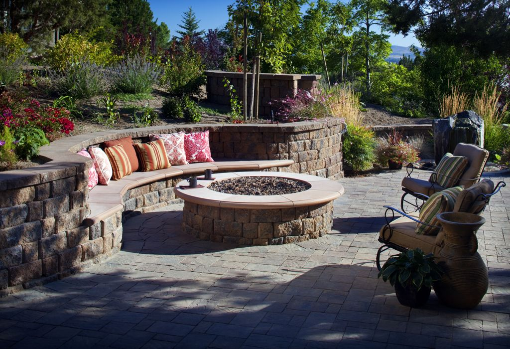 Outdoor Fire Pit Seating Wall