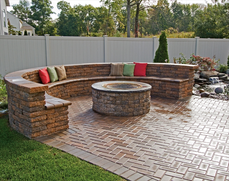 Delightful Outdoor Stone Fire Pit Ideas