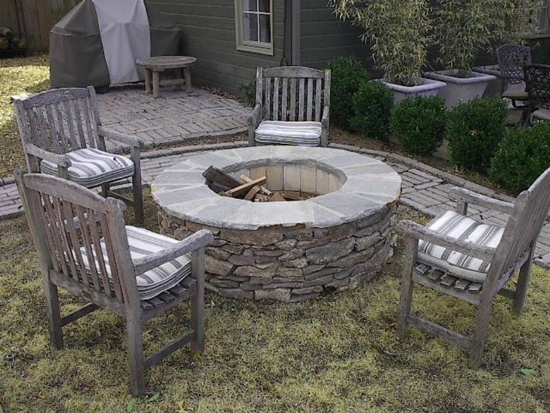 Outdoor Stone Fire Pit Patio