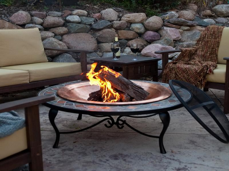 Small Outdoor Fire Pit Design