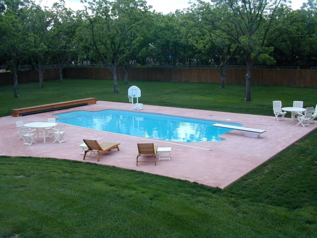 Fiberglass Swimming Pool Installers Near Me