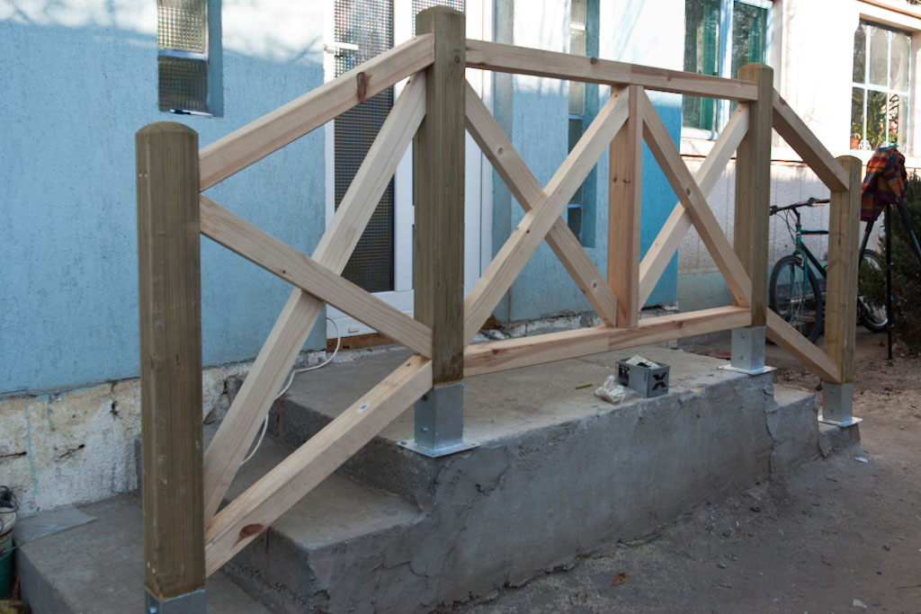 Build Deck Railing Stairs