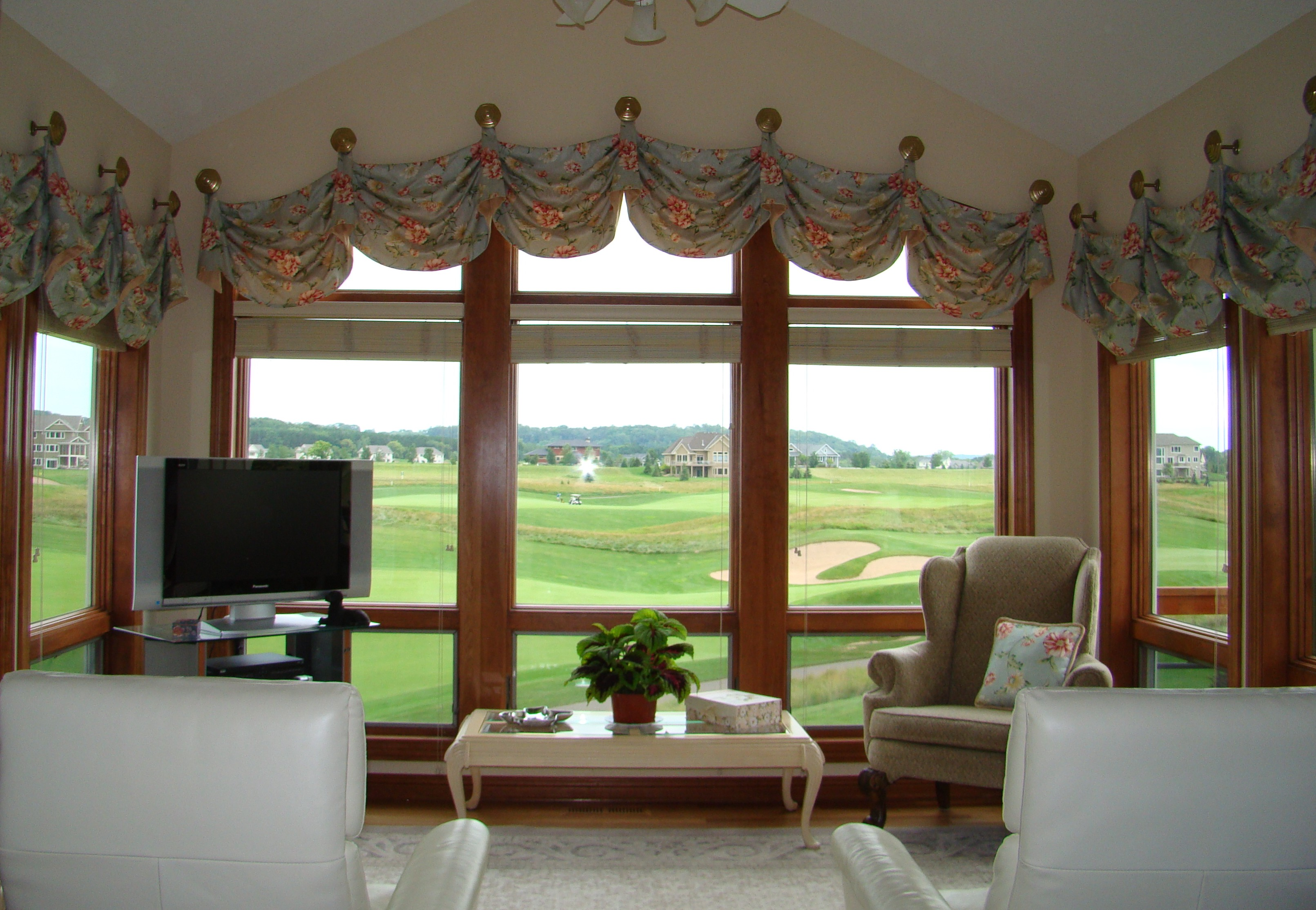 Combining Sunroom Window Treatments
