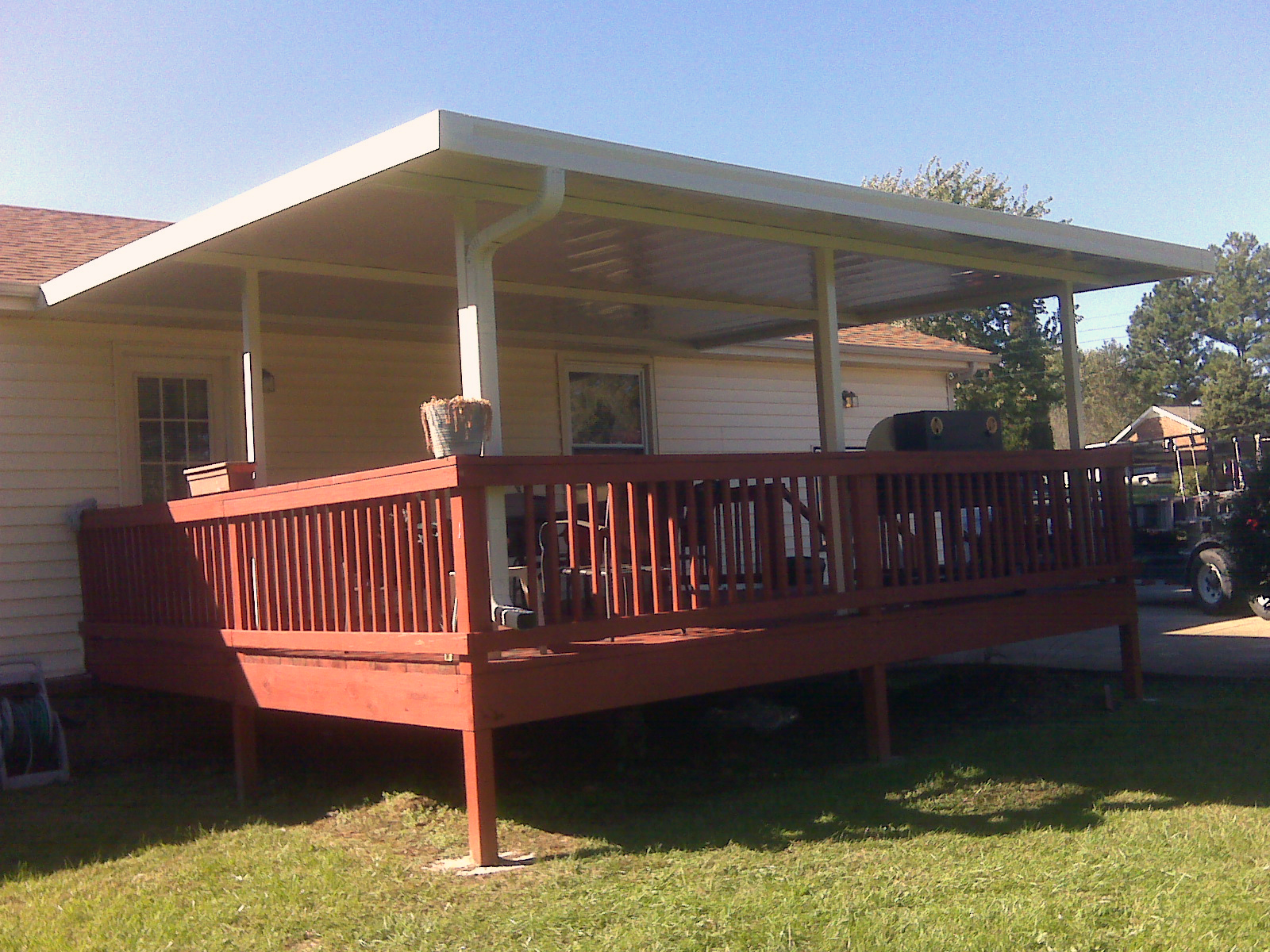 Retractable Awnings For Decks Rickyhil Outdoor Ideas