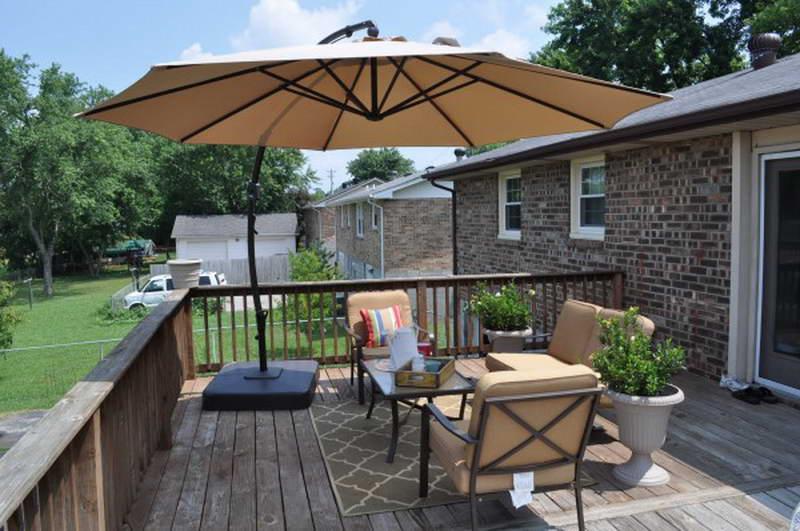Outdoor Patio Umbrella Ideas