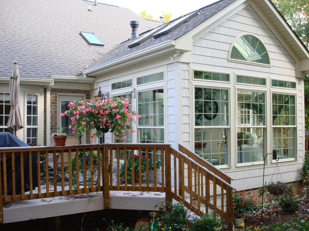 Season Rooms And Sunrooms
