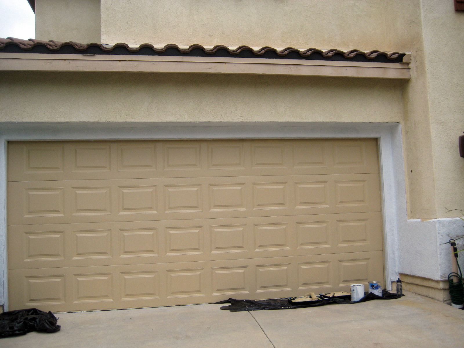 Painting Garage Door Before And After Ideas — Rickyhil ... on Garage Door Painting Ideas  id=22451