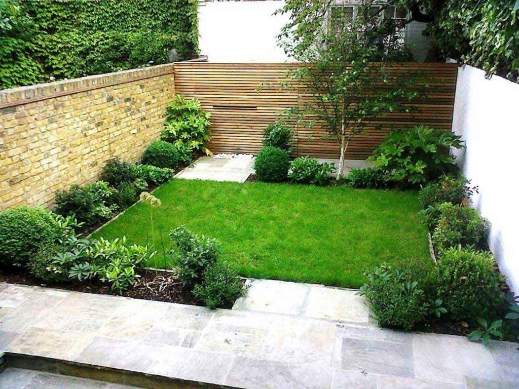 Get Plans Low Maintenance Landscaping Ideas : Rickyhil ... on Simple Backyard Landscaping id=71676